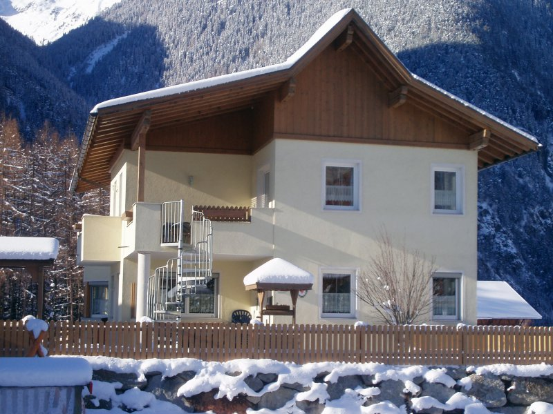0011-winter-haus-westen