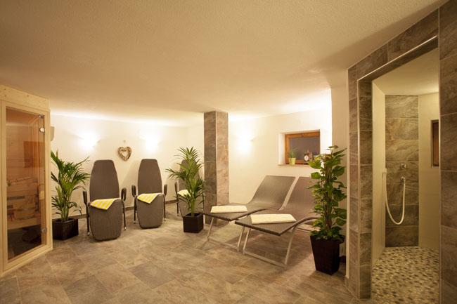 alpenhof ferienwohnung zimmer w ngle naturparkregion reutte privatvermieter tirol. Black Bedroom Furniture Sets. Home Design Ideas