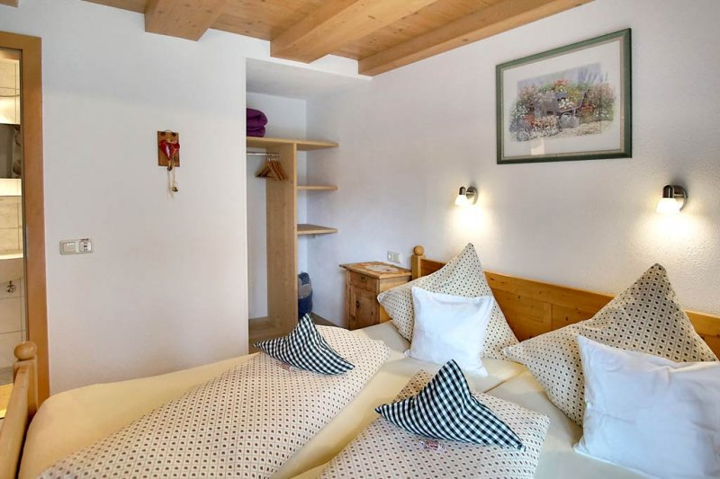 pension-fuerhapter-zimmer-2-05-urlaub-defereggental
