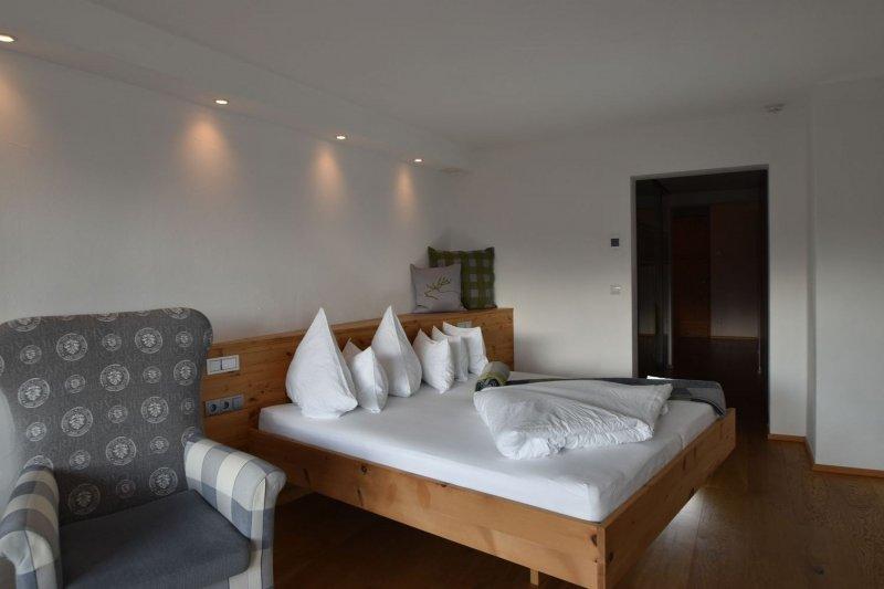 bucherhof ferienwohnung obsteig innsbruck seine feriend rfer bed breakfast tirol. Black Bedroom Furniture Sets. Home Design Ideas