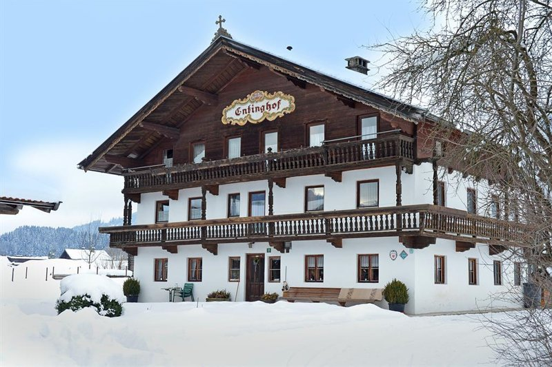 soell-biobauernhof-enting-haus-winter